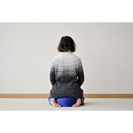 Zafu de voyage (épeautre) bleu lavande, méditation et pratique du shiatsu