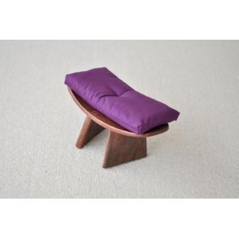 banc de méditation avec coussin