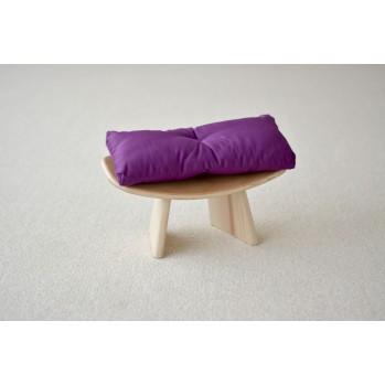 """Banc """"shoggi zen"""" en bois de pin avec coussin violet"""