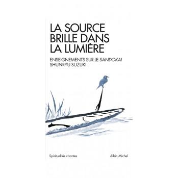 Livre La source brille dans la lumière
