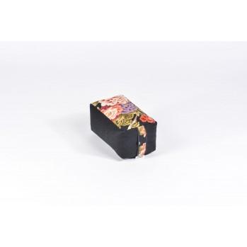 Mini-zafu brique (épeautre), botan, noir, tissu japonais, pivoine