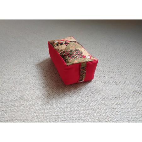 Zafu rectangle épeautre bio Pavillon d'or, rouge, tissu japonais
