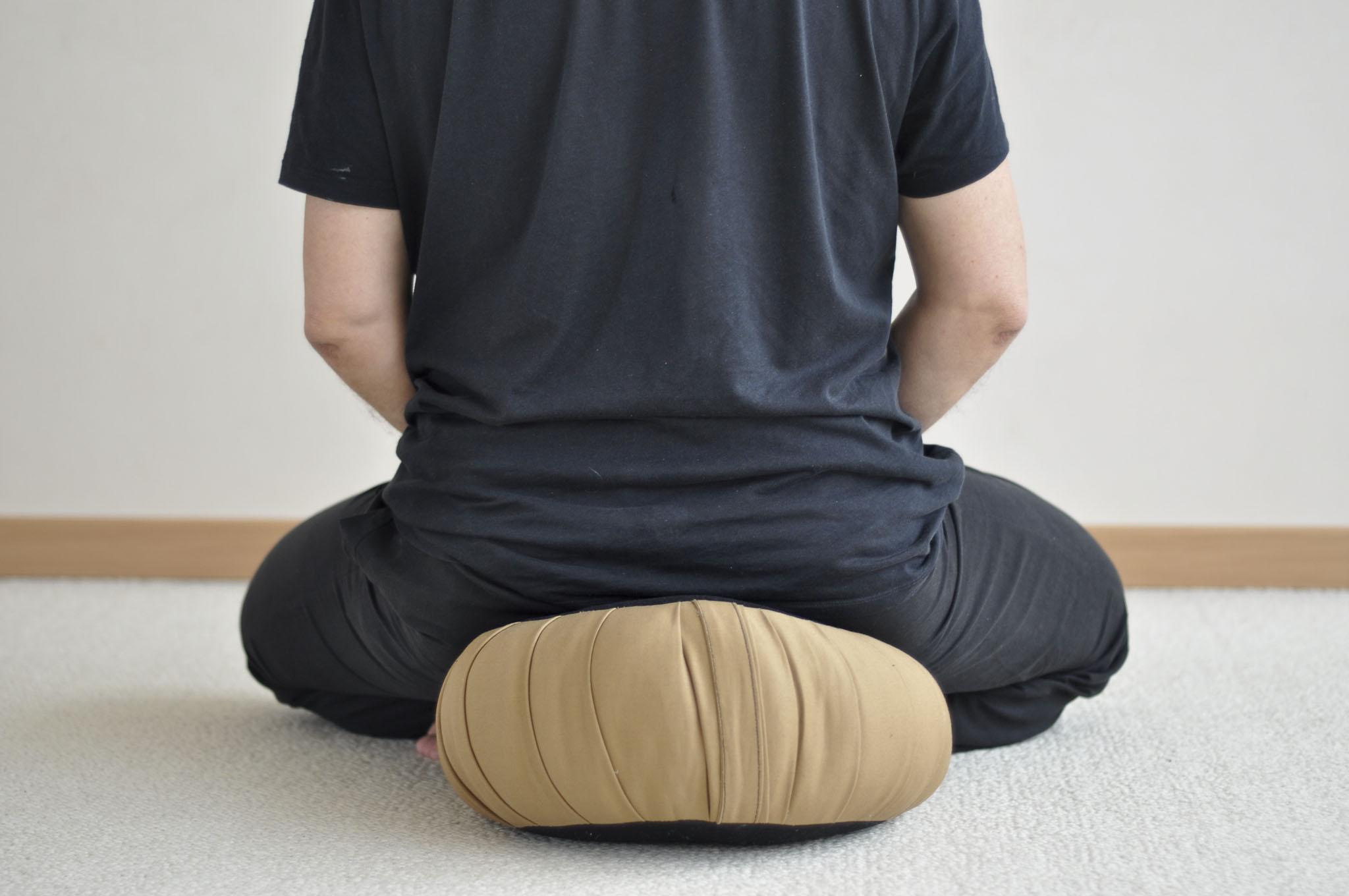 posture de méditation : vue de dos