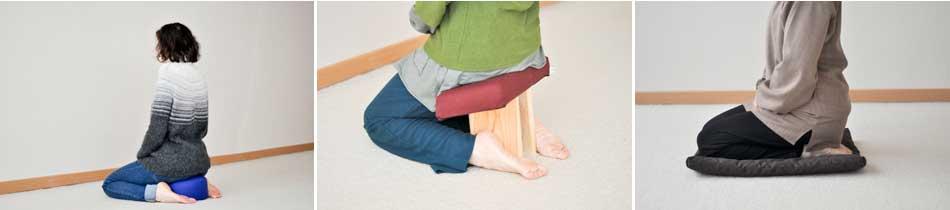 Exemples de posture de méditation sur les genoux